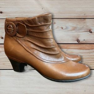 Cobb Hill Buckle Folded Leather Brown Boots
